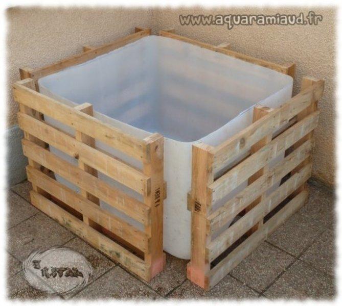 bassin hors sol exemple de construction l 39 aquaramiaud. Black Bedroom Furniture Sets. Home Design Ideas